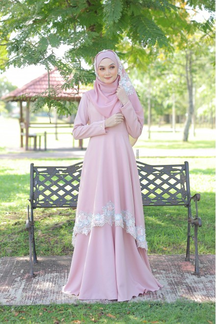 Xaviera Dress Rosegold