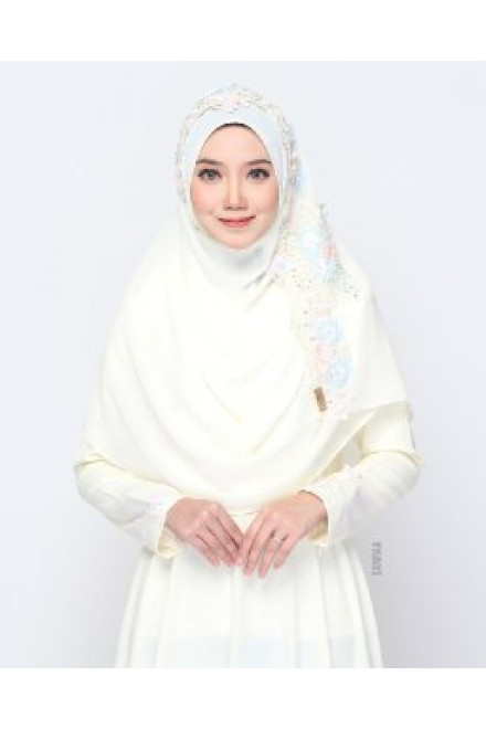 Xaviera Shawl Cream